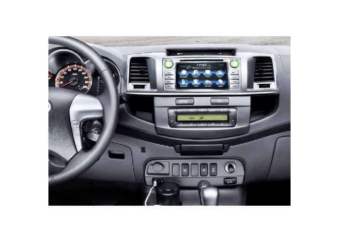 Штатная автомагнитола INTRO CHR-2296  для Toyota Hilux