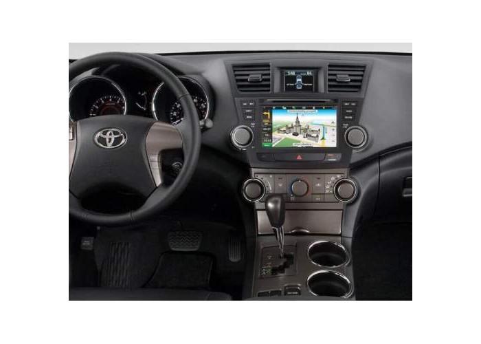 Штатная автомагнитола INTRO CHR-2298 для Toyota Highlander